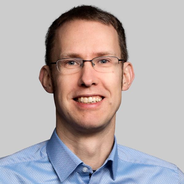 Dr. Lars Nuschke